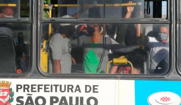 Prefeitura de SP paga R 677 mi por onibus parados na pandemia